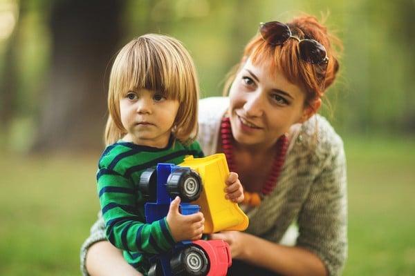 bebek bakıcılığı yaparak para kazanmak