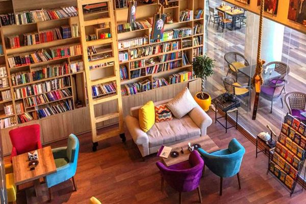 Kitap Kafe Açarak Para Kazanmak