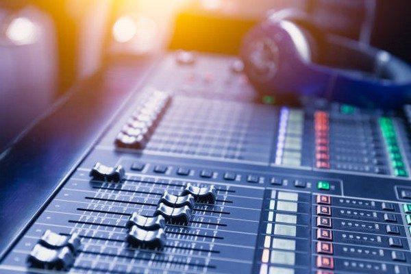 Radyo Kanalı Açma - İş Fikri