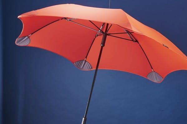 Yağmurluk ve Şemsiye Satarak Para Kazanmak